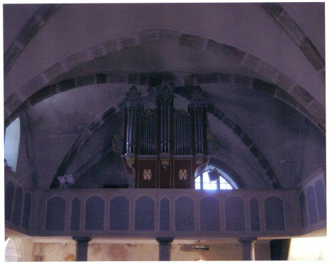 Orgue de Louvie-Juzon, Église Saint-Martin